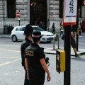 """featured image Jefe de Policía del Reino Unido: Es un """"Deber Cívico"""" Delatar a los Vecinos que Violan las Restricciones de COVID."""